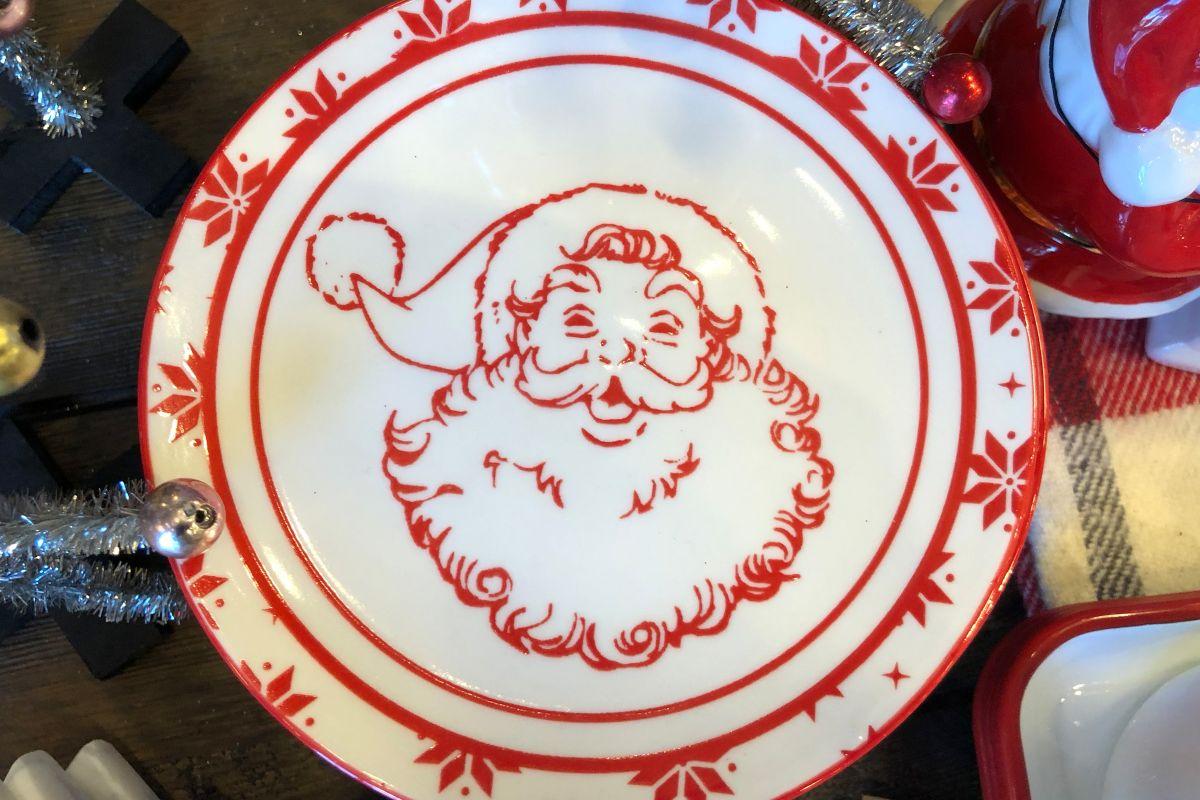 Santa Plate from Gardner-White Furniture