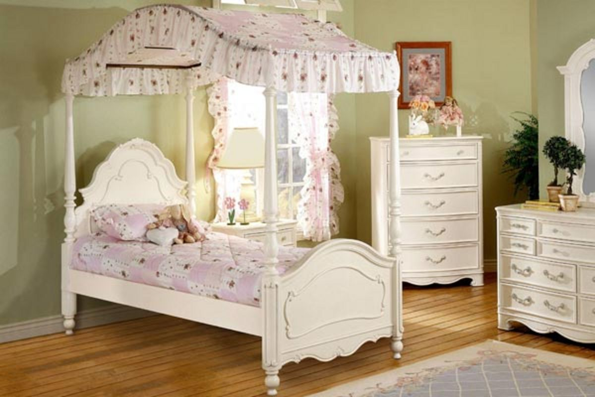 - Michelle Twin Canopy Bed At Gardner-White