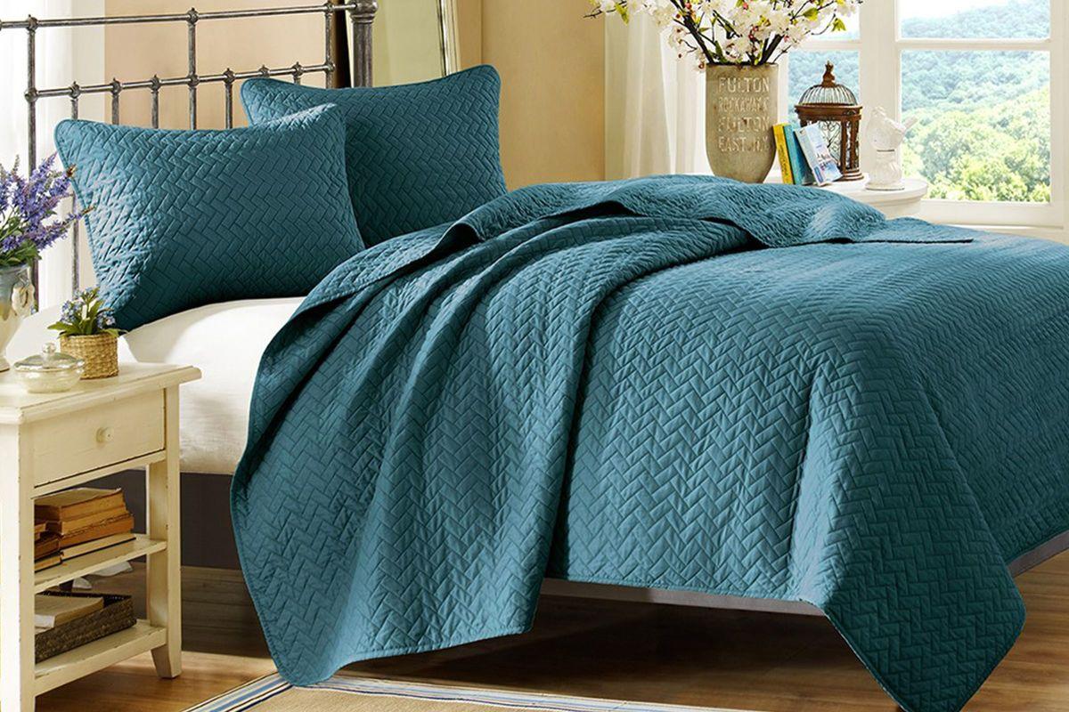 Peacock 3 Piece King Coverlet Set At Gardner White