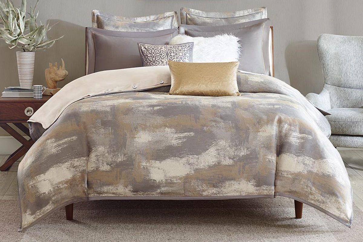 Graphix 9-Piece King Comforter Set from Gardner-White Furniture